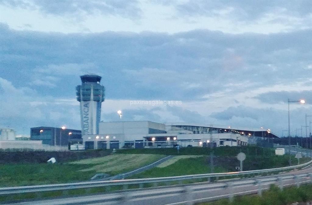 Aeropuerto de santiago lavacolla santiago for Oficina correos santiago de compostela
