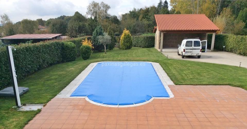 Ancla piscinas mos for Coste mantenimiento piscina