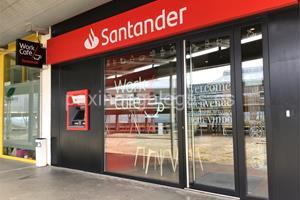 Banco santander vigo lagoas s n marcosende for Horario de oficinas santander