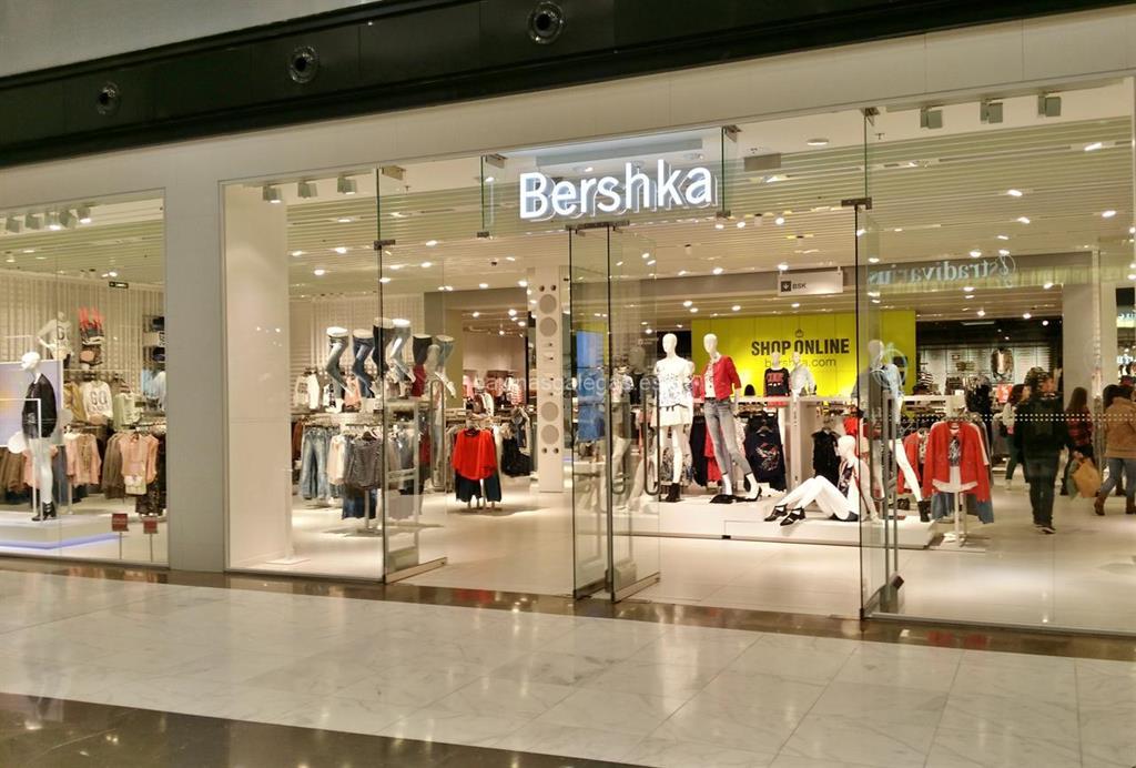 bershka santiago avda cami o franc s 3 pl 1 c cial as cancelas. Black Bedroom Furniture Sets. Home Design Ideas