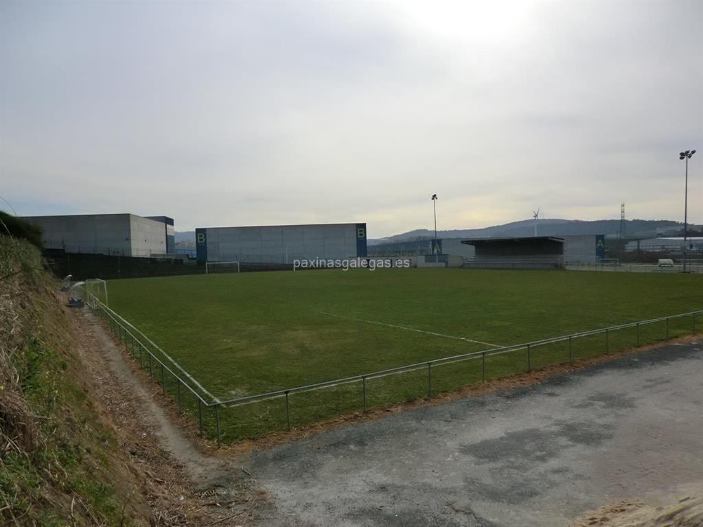 Campo de f tbol municipal de oseiro arteixo for Piscina municipal arteixo