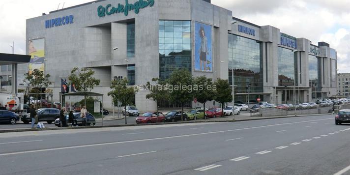 d54cd04052d Centro de Seguros y Servicios El Corte Inglés Santiago de Compostela