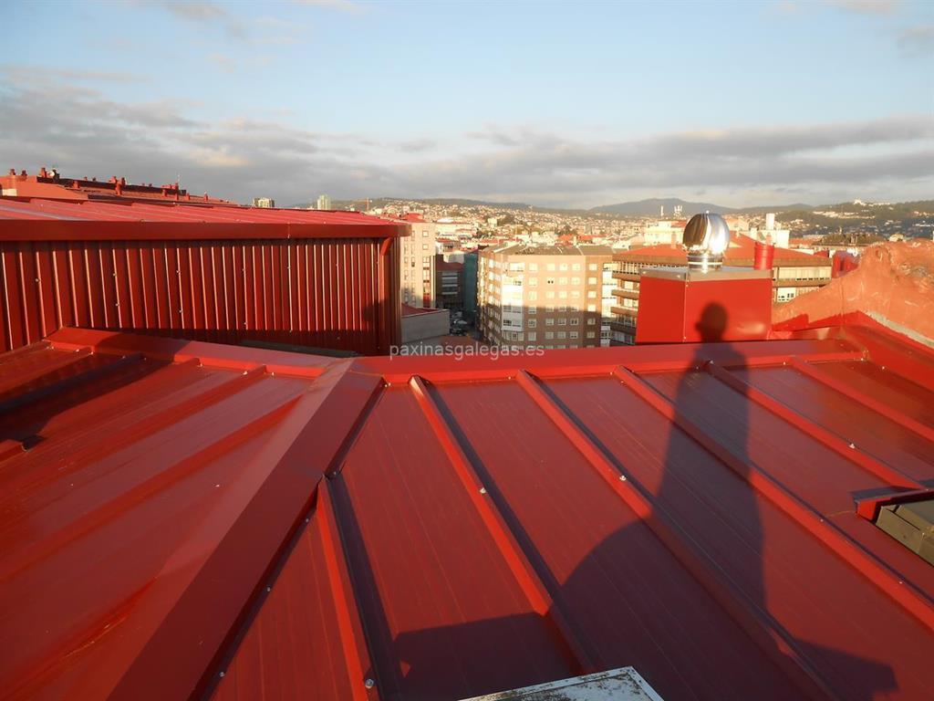 Tipos de canalones para tejados good free reparacion de - Montaje de canalones ...
